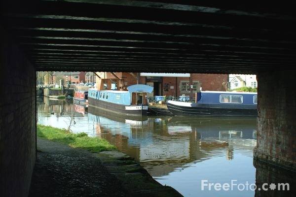Picture of The Montgomery Canal, Welshpool, Powys, Wales - Free Pictures - FreeFoto.com