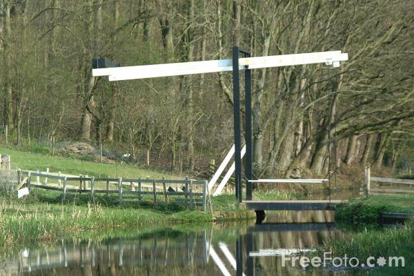Picture of Bridge, The Montgomery Canal, Near Welshpool, Powys, Wales - Free Pictures - FreeFoto.com