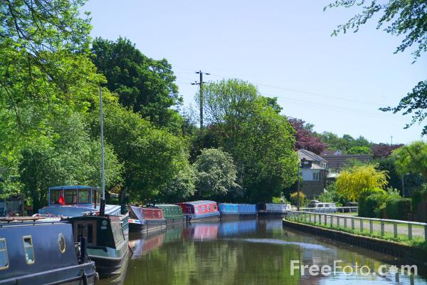 Picture of Leeds and Liverpool Canal - Free Pictures - FreeFoto.com