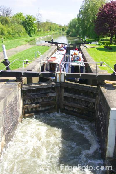 Picture of Foss Lock, Grand Union Canal - Free Pictures - FreeFoto.com