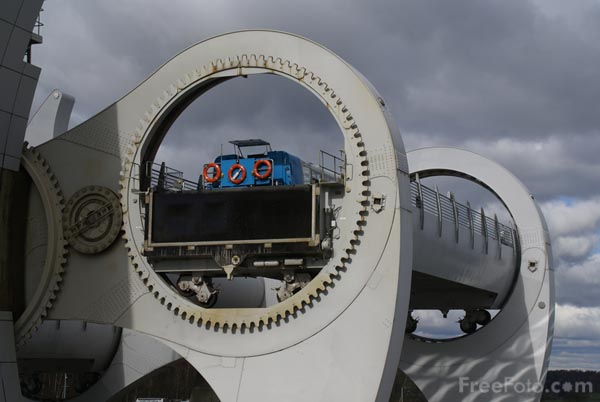 Picture of Falkirk Wheel - Free Pictures - FreeFoto.com