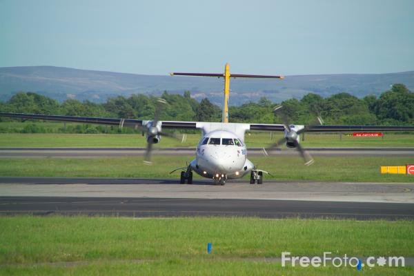 Picture of Aurigny Air Services ATR ATR-72-202 G-BWDA - Free Pictures - FreeFoto.com