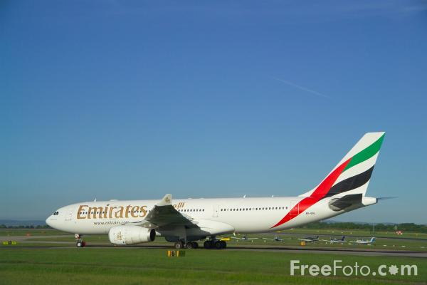 Picture of Emirates Airlines Airbus A330-243 A6-EAL - Free Pictures - FreeFoto.com