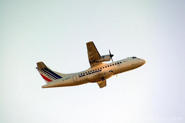 Picture of Gill Airways ATR-42-300 G-ORFH - Free Pictures - FreeFoto.com