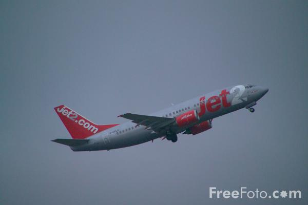 Picture of Jet2 Boeing 737-330 G-CELH - Free Pictures - FreeFoto.com