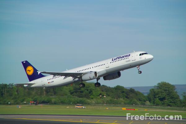 Picture of Lufthansa Airbus A321-131 D-AIRN - Free Pictures - FreeFoto.com