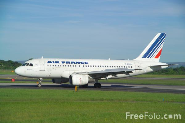 Picture of Airbus A319 - Free Pictures - FreeFoto.com