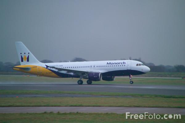 Picture of Airbus A320 - Free Pictures - FreeFoto.com