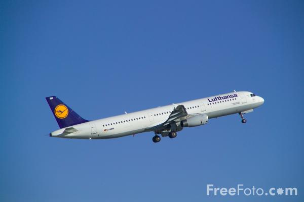Picture of Airbus A321 - Free Pictures - FreeFoto.com