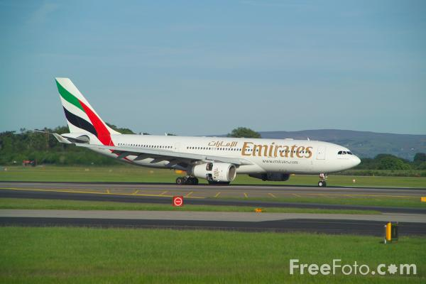 Picture of Airbus A330 - Free Pictures - FreeFoto.com