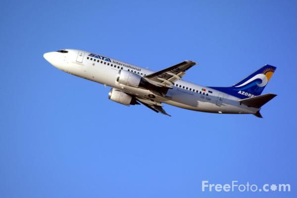 Picture of Boeing 737 - Free Pictures - FreeFoto.com