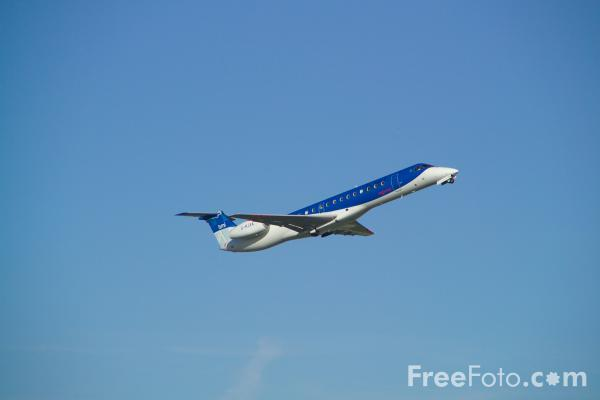Picture of Embraer EMB-145 - Free Pictures - FreeFoto.com