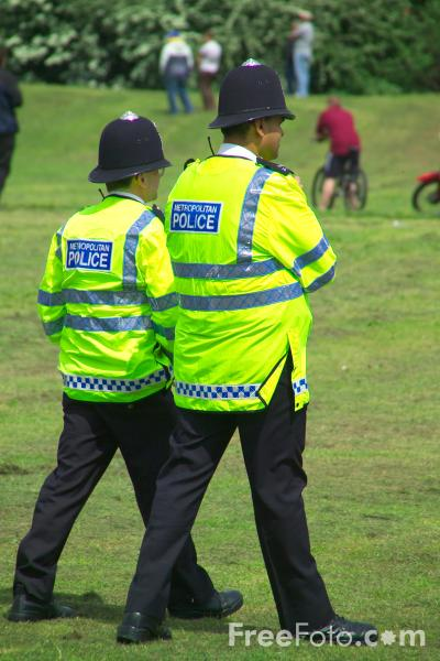 Picture of Police on patrol - Free Pictures - FreeFoto.com