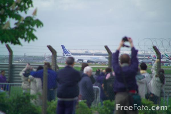 Picture of Airbus A380 - Free Pictures - FreeFoto.com