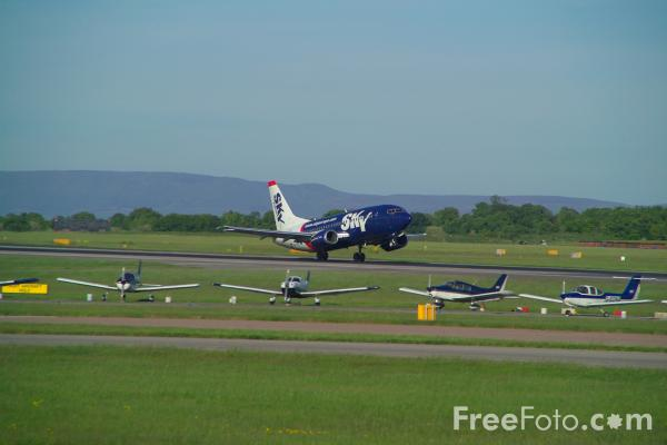 Picture of SkyEurope Airlines Boeing 737-5Y0 OM-SEB - Free Pictures - FreeFoto.com