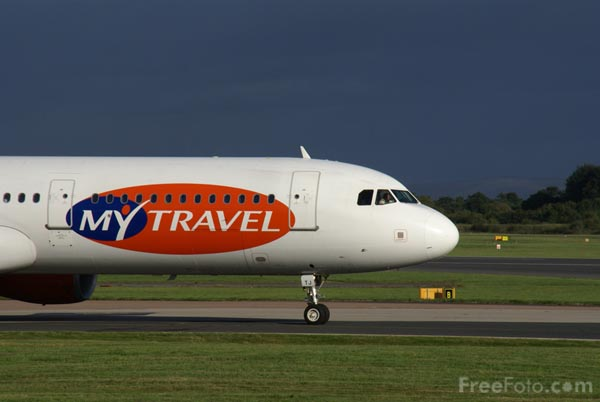 Picture of MyTravel Airways Airbus A321 G-SMTJ - Free Pictures - FreeFoto.com