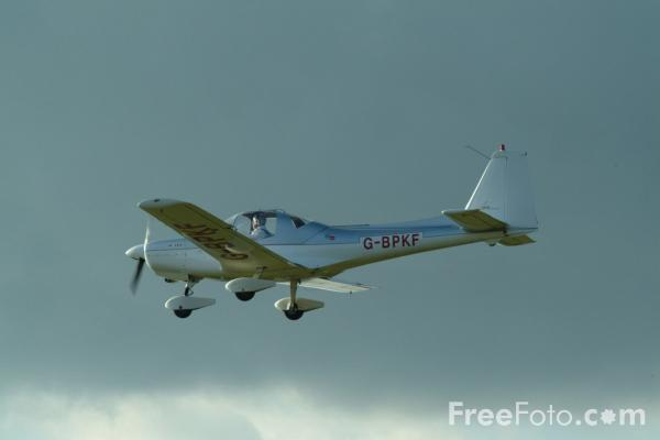 Picture of Grob 115 G-BPKF - Free Pictures - FreeFoto.com