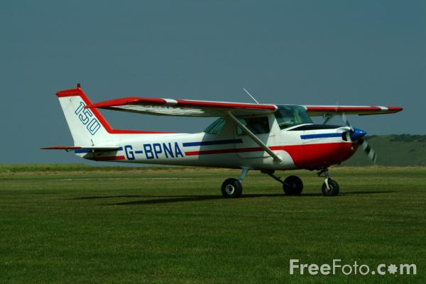 Picture of Cessna 150 G G-BPNA - Free Pictures - FreeFoto.com
