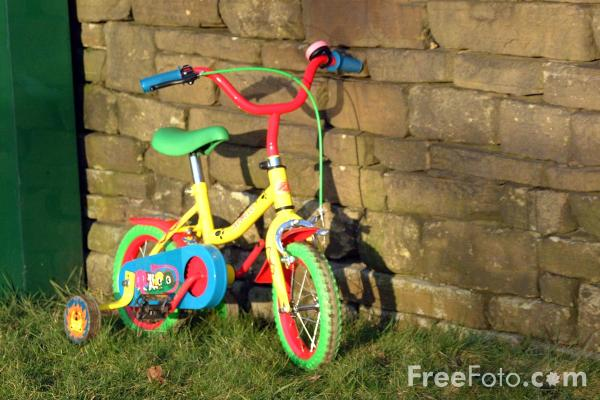 Picture of Childs Bicycle - Free Pictures - FreeFoto.com