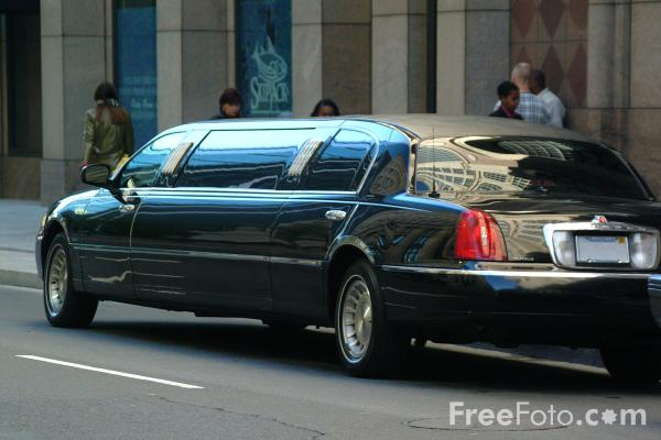 Picture of Stretch Limo - Free Pictures - FreeFoto.com