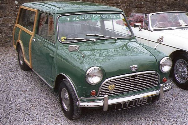 Picture of Mini Clubman Estate TYJ109 - Free Pictures - FreeFoto.com