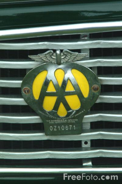 Picture of AA Car Badge - Free Pictures - FreeFoto.com