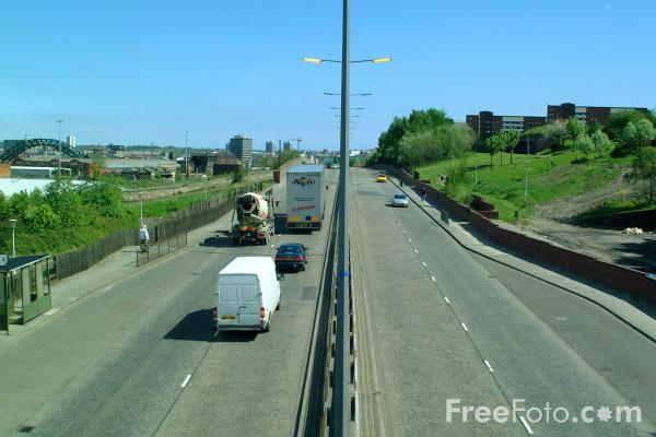 Picture of Urban Road, Gateshead, Tyne - Free Pictures - FreeFoto.com