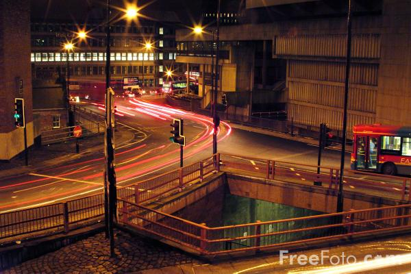 Picture of Road Junction at night - Free Pictures - FreeFoto.com