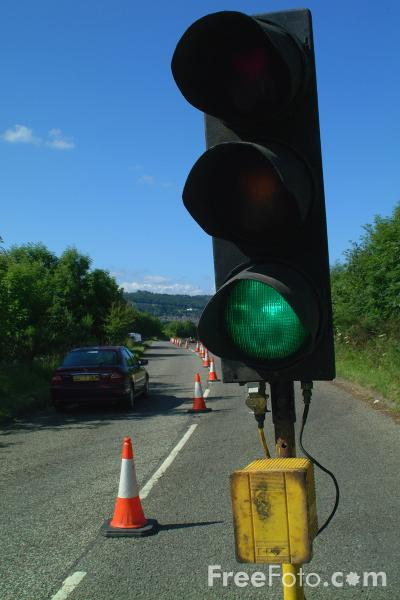 Picture of Temporary Traffic Lights - Free Pictures - FreeFoto.com