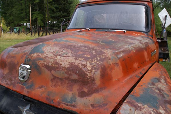 Rust covered car pictures free use image 21 20 11 by - Peinture fer effet rouille ...