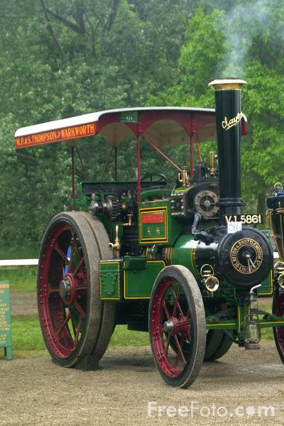 Picture of Vintage Steam Roller - Free Pictures - FreeFoto.com