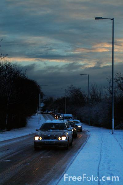 Picture of Traffic in the snow - Free Pictures - FreeFoto.com