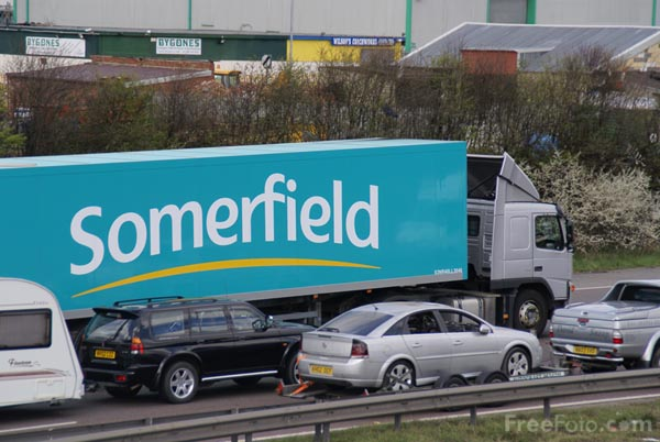 Picture of Somerfield Articulated Lorry - Free Pictures - FreeFoto.com
