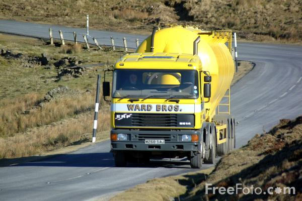 Picture of Cement Lorry - Free Pictures - FreeFoto.com