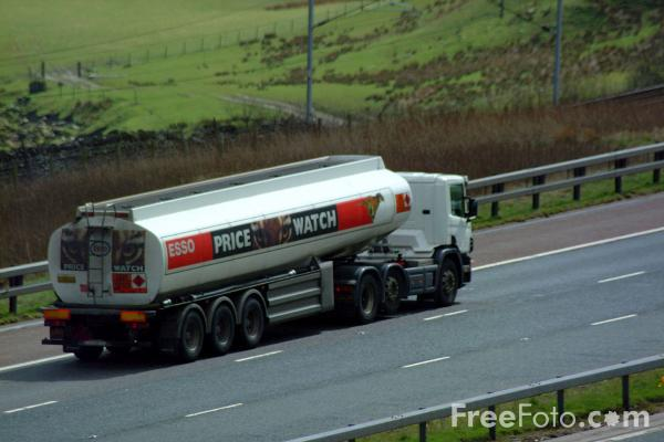 Picture of Esso Fuel Tanker - Free Pictures - FreeFoto.com
