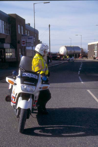 Picture of Police Motorcycle Escort - Free Pictures - FreeFoto.com