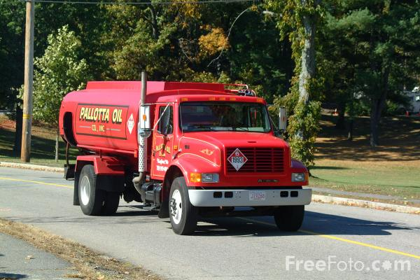 Picture of American Fuel Truck - Free Pictures - FreeFoto.com