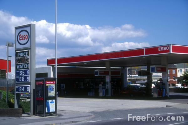 Picture of Petrol Station - Free Pictures - FreeFoto.com