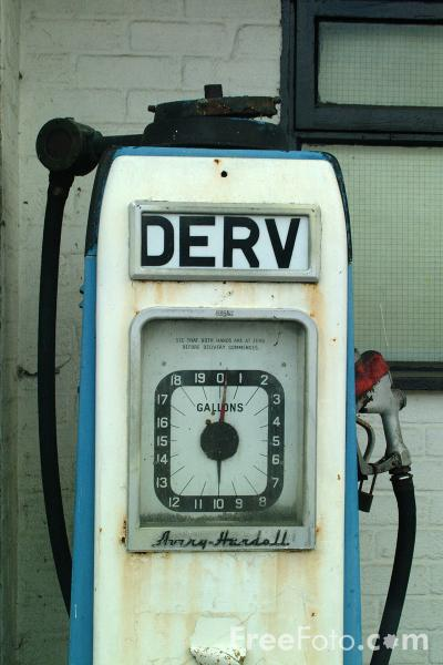 Picture of Old Derv Pump - Free Pictures - FreeFoto.com