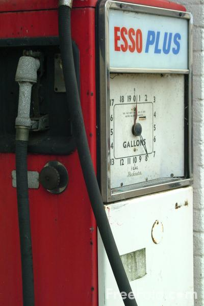 Picture of Old Petrol Pump - Free Pictures - FreeFoto.com