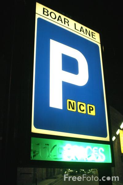 Picture of Car Park - Free Pictures - FreeFoto.com