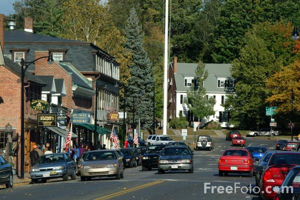 Picture of Traffic, Concord, Massachusetts - Free Pictures - FreeFoto.com
