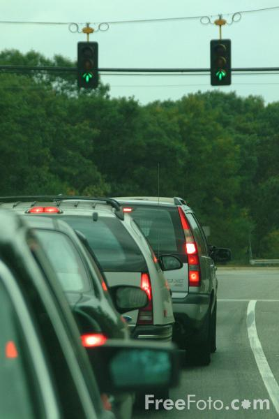 Picture of Stopped at Traffic Lights, Lexington, Massachusetts - Free Pictures - FreeFoto.com