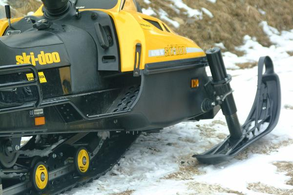 Picture of Ski-Doo Snowmobile - Free Pictures - FreeFoto.com