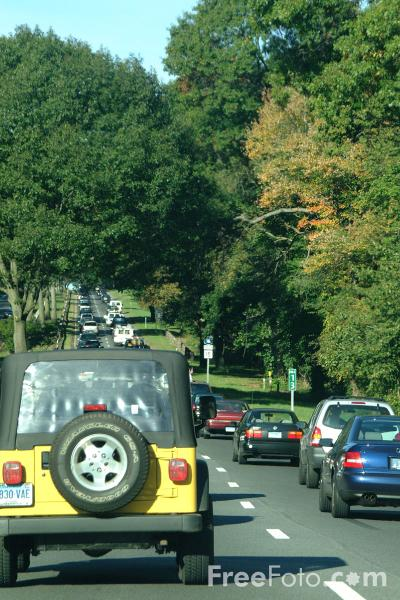 Picture of Heavy Traffic on a Massachusetts Dual-carriageway - Free Pictures - FreeFoto.com