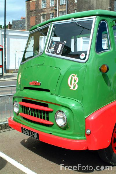 Picture of 324LHN Austin Series III Flatbed Lorry - Free Pictures - FreeFoto.com