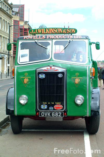 Picture of OVK682 Albion FT37L Chieftain Flatbed Lorry - Free Pictures - FreeFoto.com