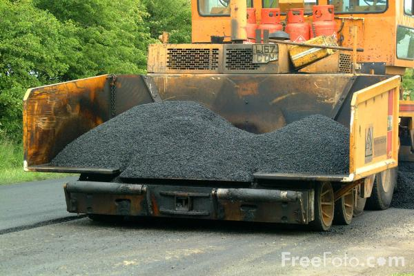 Picture of Tarmacadam laying machine - Free Pictures - FreeFoto.com
