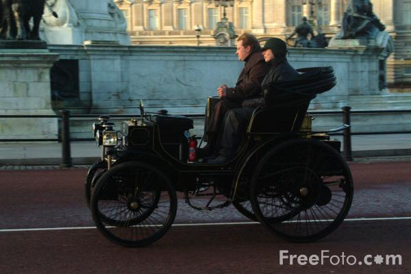 Picture of 1898 Peugeot  AF 49  - London to Brighton Veteran Car Run - 2002 - Free Pictures - FreeFoto.com