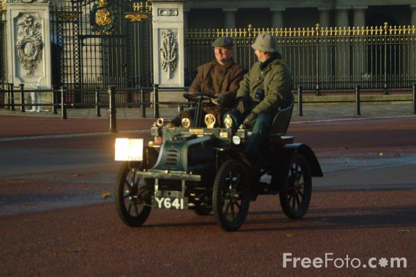 Picture of 1902 Peugeot  Y 641  - London to Brighton Veteran Car Run - 2002 - Free Pictures - FreeFoto.com